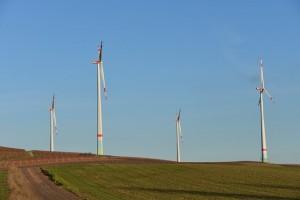 wind-park-488539_640